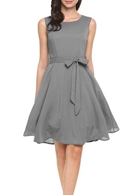Sommerkleid in eleganter A-Linie mit schwingendem Rock ...