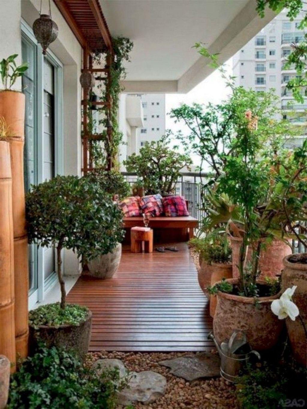 20 Casual Small Balcony Design Ideas For Spring This Season Small Balcony Garden Apartment Garden Apartment Balcony Garden