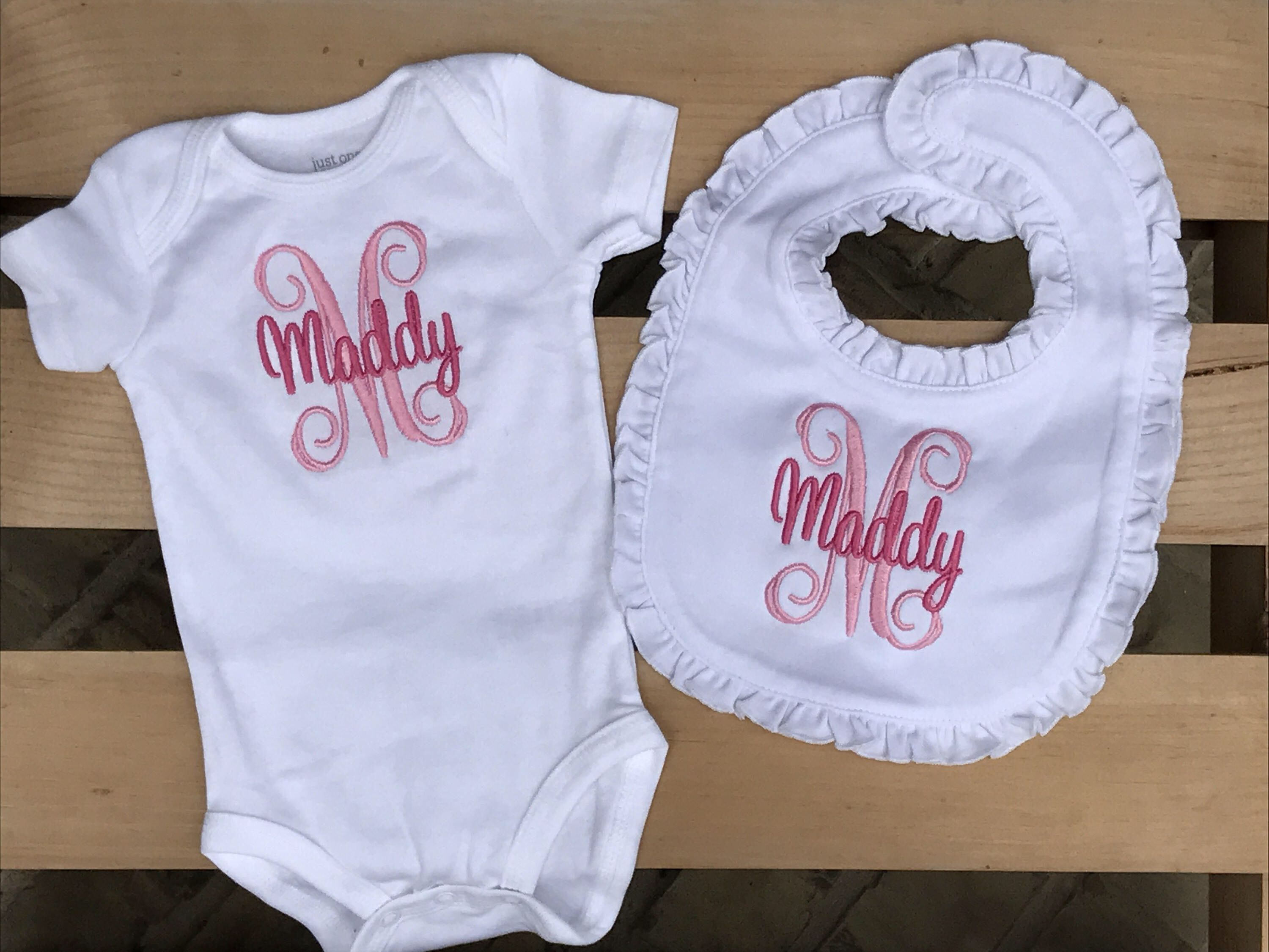 Personalized baby gift bodysuit bib personalized baby set personalized baby gift bodysuit bib personalized baby set monogrammed baby baby bodysuit baby shower gift hospital outfit baby gift negle Images