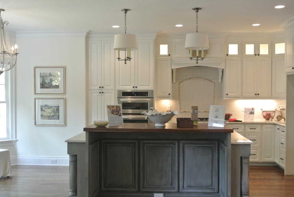 We Used The Wall Color Roman Column From Sherwin Williams For Entry Dining Halls Kitchen And Living Area