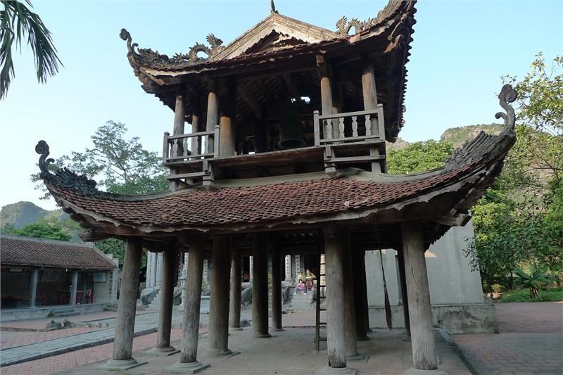 3.Inside Thai Vi Temple