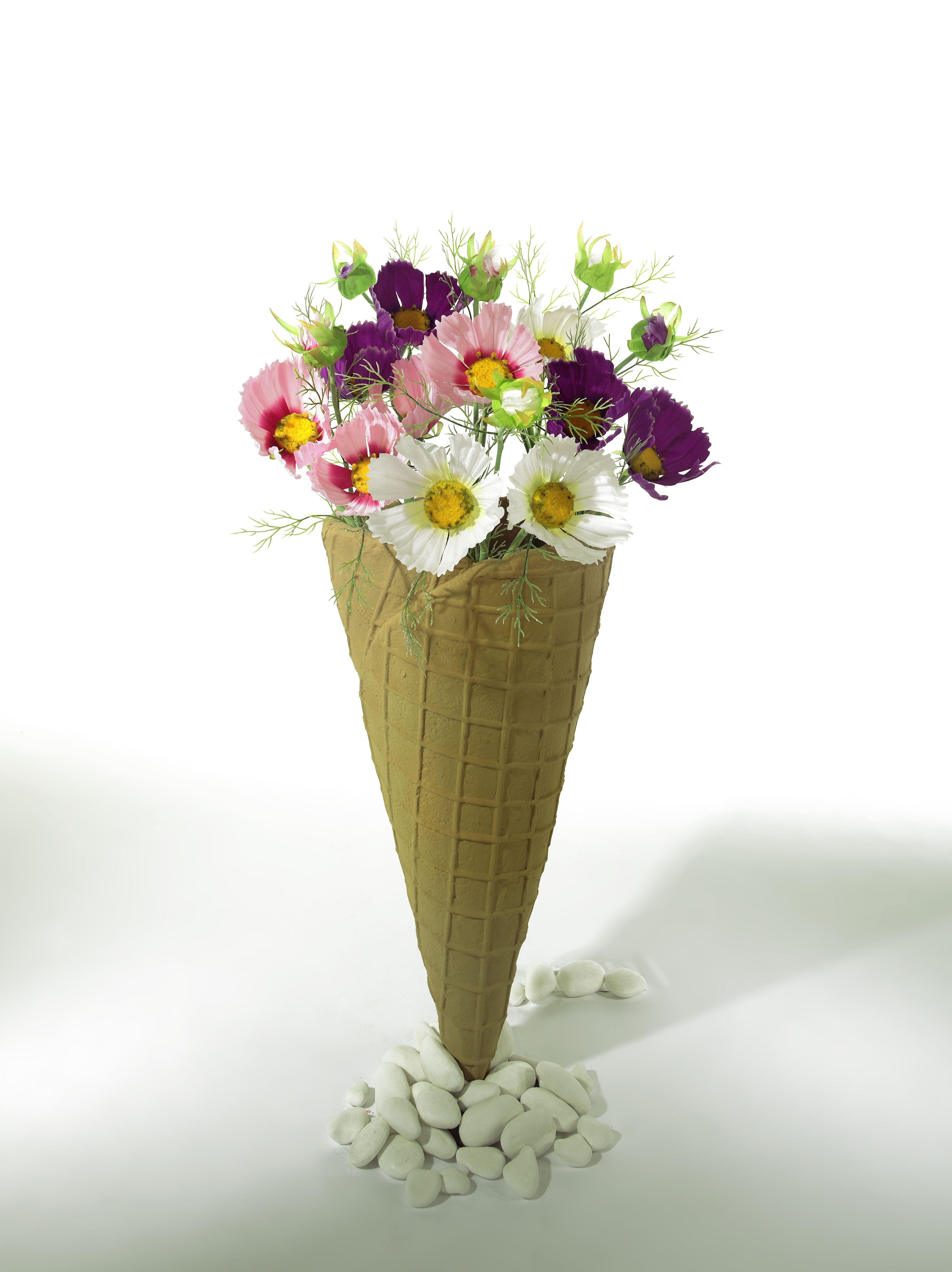Flower Decoration In Ice Cream Cone Bloemen Versieringen Decoratie Ideeen