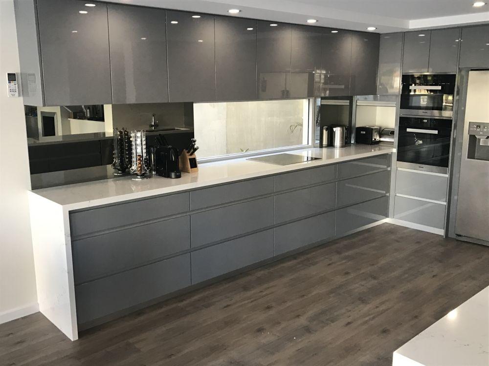 how to plan small kitchens designs in 2020 european kitchen design kitchen design small on kitchen ideas european id=58957