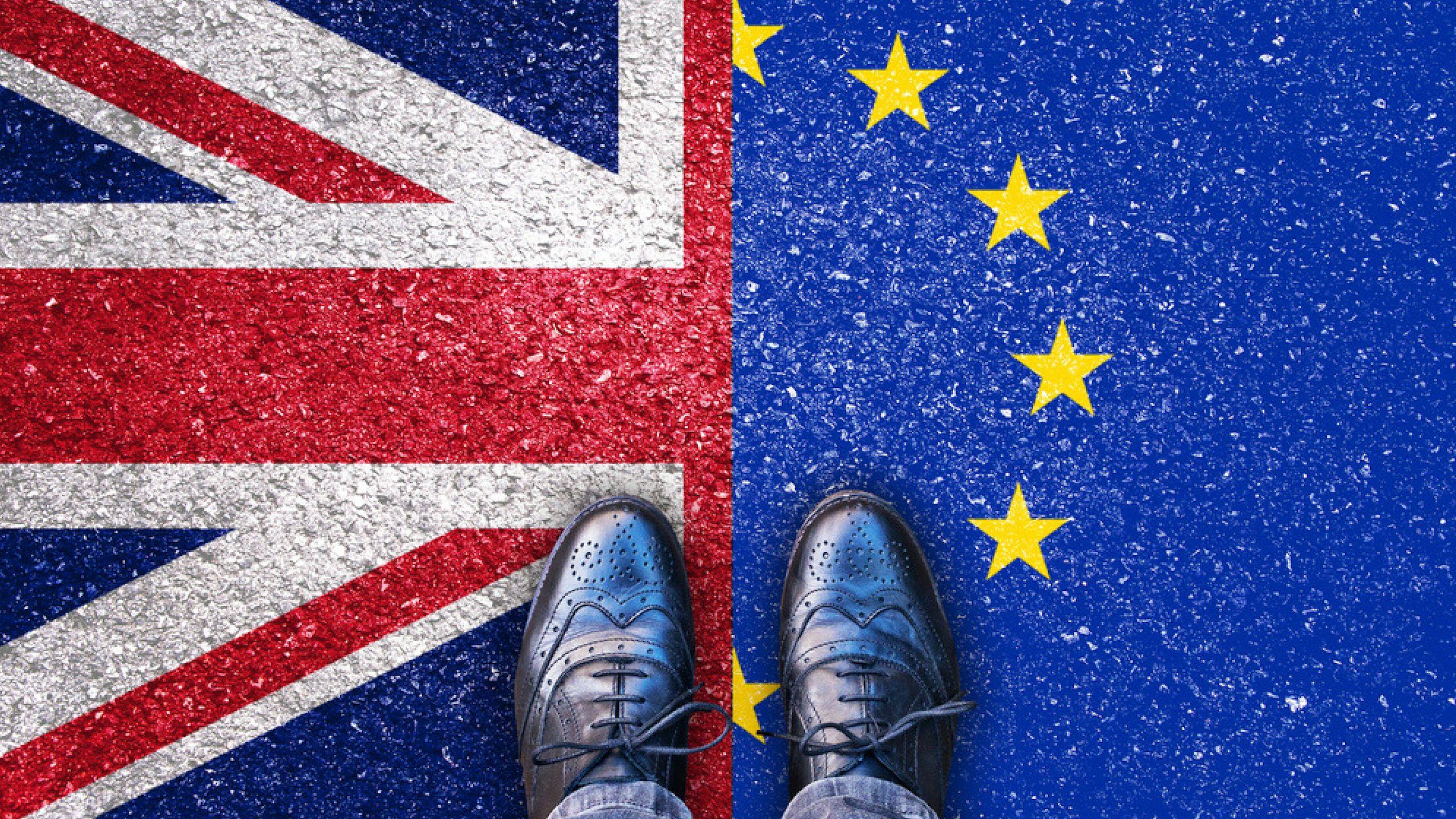 Joint flag feet1 Brexit, Bitcoin transaction, Bitcoin