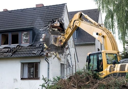 House demolition and all that you need to know about it - What to know when building a house ...