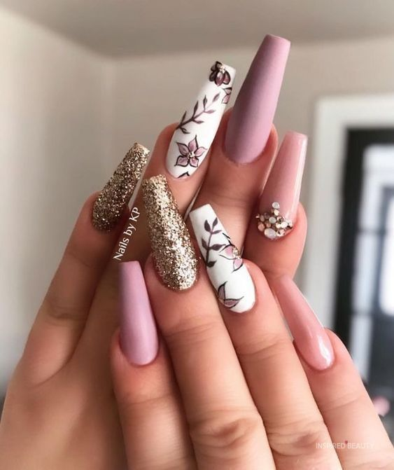 32 Fab Long Acrylic Nails to Spice up Your Fashion