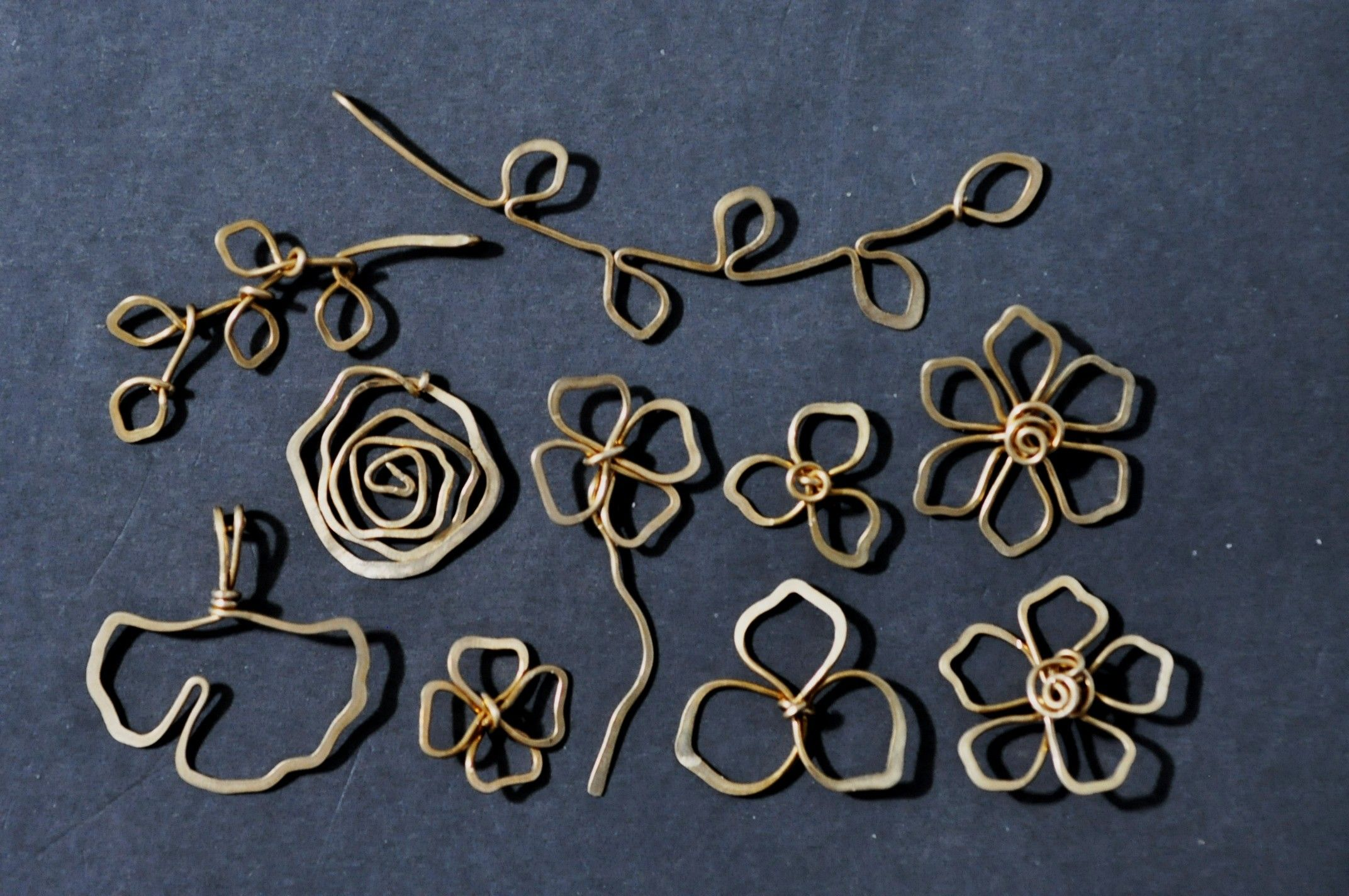 Free Wire Jewelry Tutorials | Some simple wire sculpted pendants ...