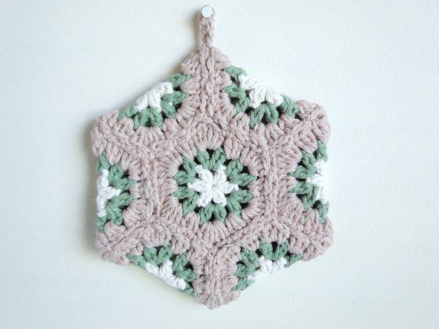 fall hexagon potholder by caseyplusthree, via Flickr | haken ...
