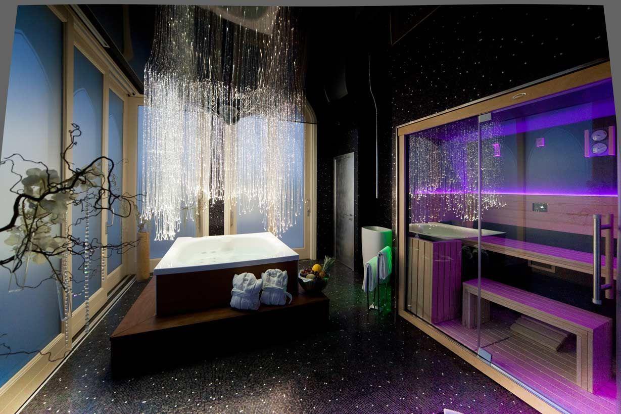 Un centre wellness quip avec city spa et un sauna de for Espace sauna hammam