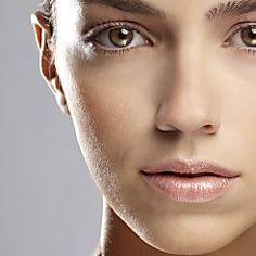 Mit 3 Hausmitteln So Werden Sie Augenringe Sofort Los Augenringe Gesicht Schonheit Schonheitshacks