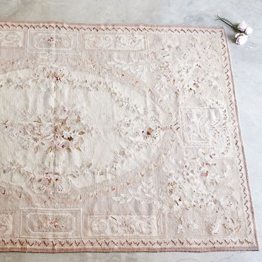 Pin By Marja Heemskerk On Pretty Shabby Chic Rug Rachel Ashwell Shabby Chic Couture Shabby Chic Cottage