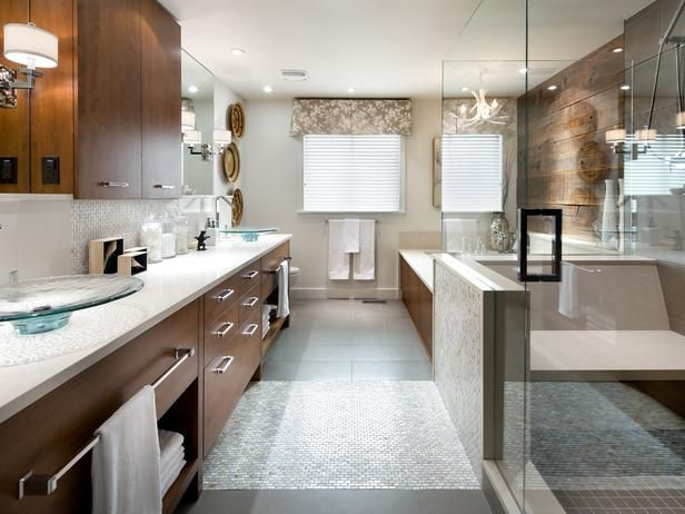 The Master Bathroom Blends Contemporary