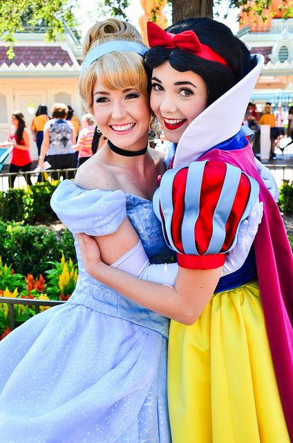 Of course they're friends | Magic | Disney, Disneyland face