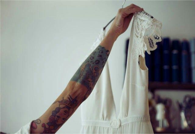 Vestido de Marcela Mansergas, sé única el día de tu boda con un vestido diferente y maravilloso.# MARTES BODAS# weddings