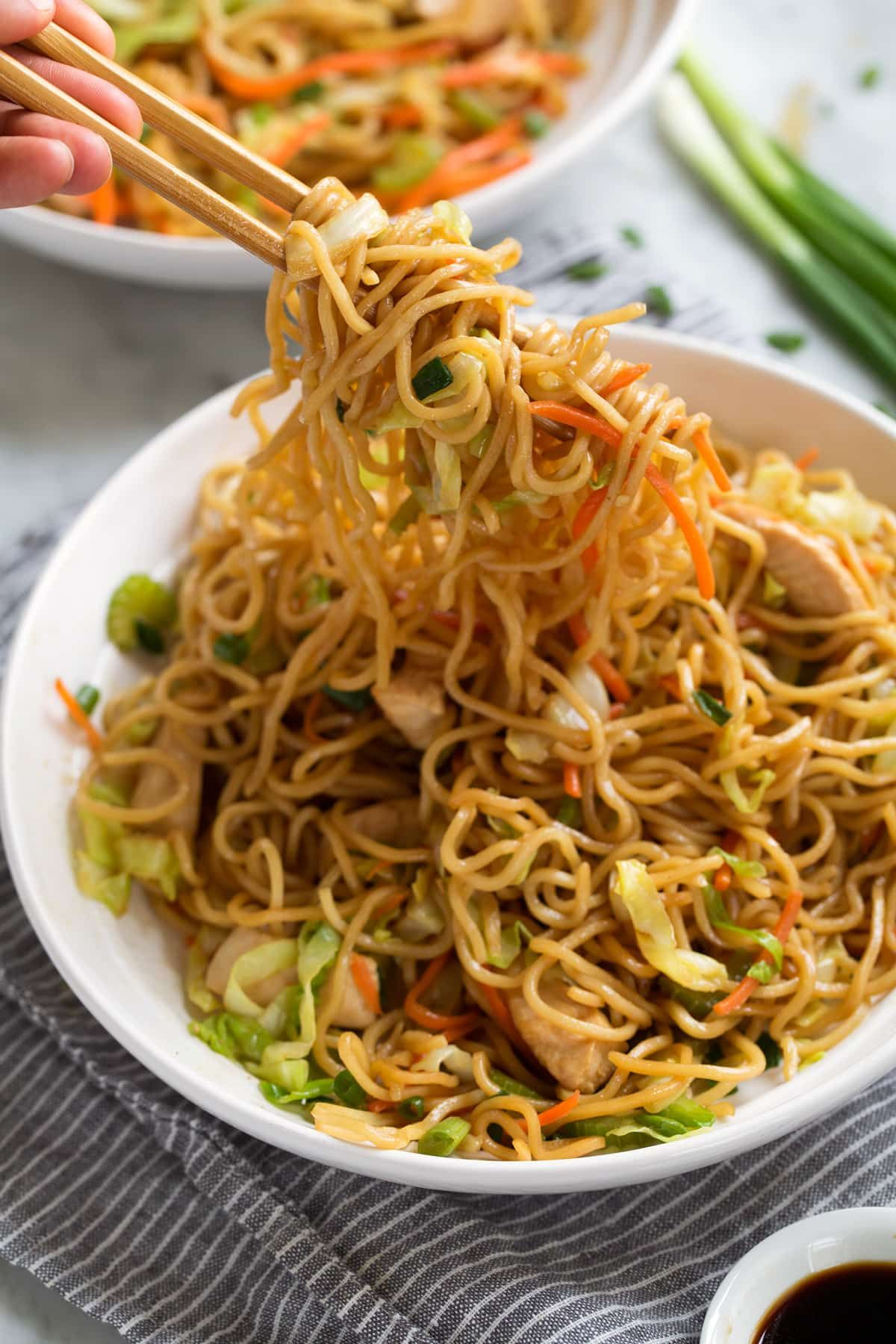 How to cook chicken chow mein recipe