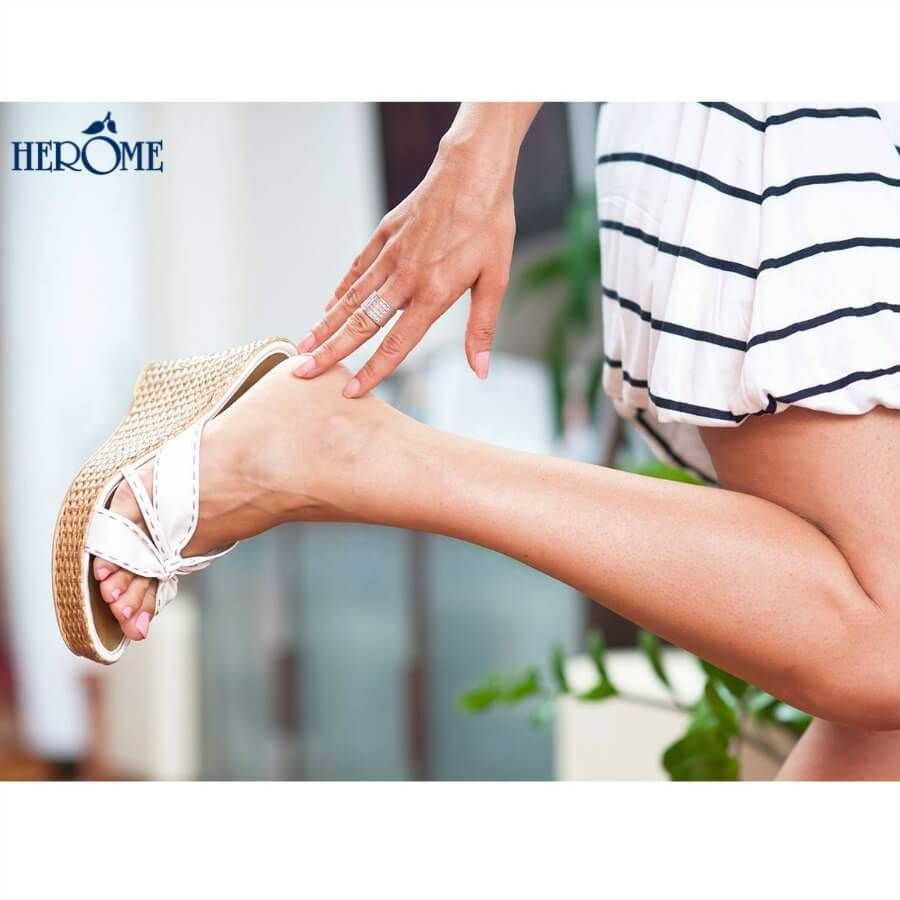 Herome: Revitalizing and nourishing foot care. Not only do your hands but also your feet have much to endure every day. And because your feet are not visible 24/7, it is unfortunately easy to ignore them. Until of course the summer comes and the sandals and beach shoes are taken out of the closet. With optimal care all year round, your feet will not only look better but also feel healthier and less tired.