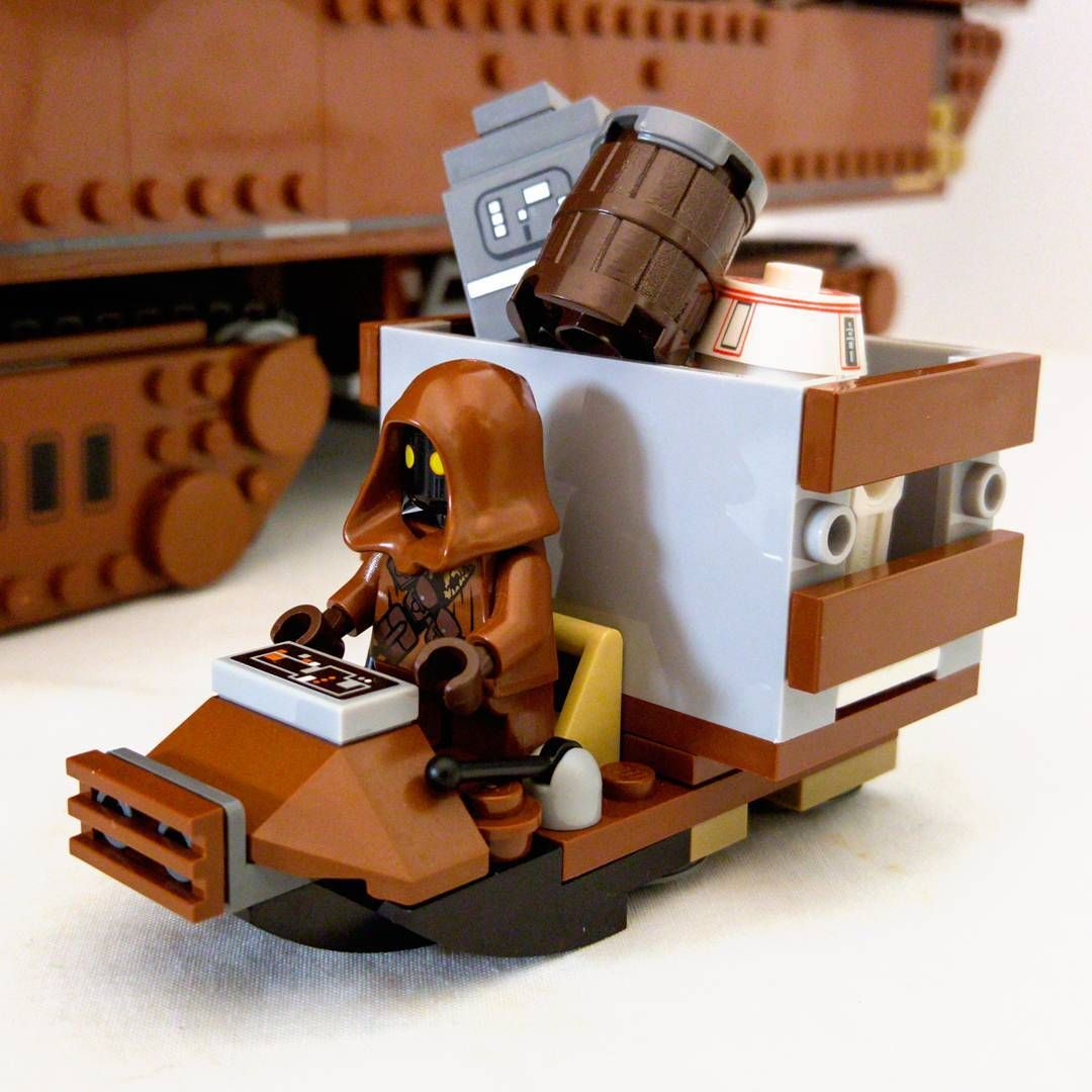 Utini! The jawa minifigs that come with the #LEGO #StarWars #sandcrawler are just too cute!
