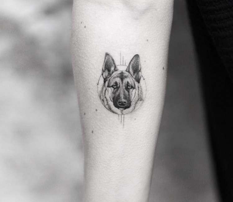 I Honestly Fancy The Hues Outlines And Detail This Really Is A Very Good Co Tatuaje De Pastor Aleman Tatuajes Conmemorativos De Perros Tatuajes De Mascotas