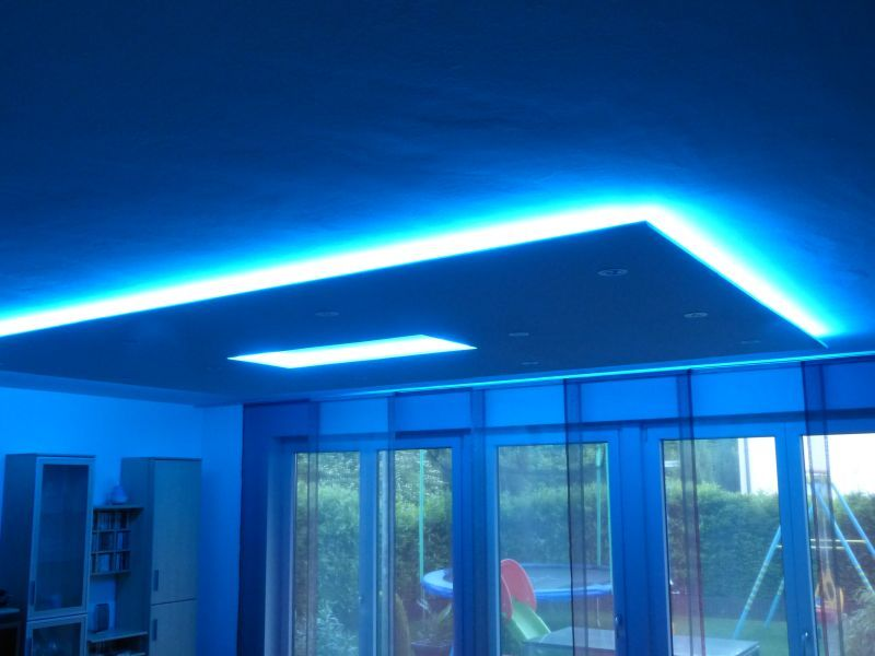 rgb led strip indirekte voutenbeleuchtung decke. Black Bedroom Furniture Sets. Home Design Ideas