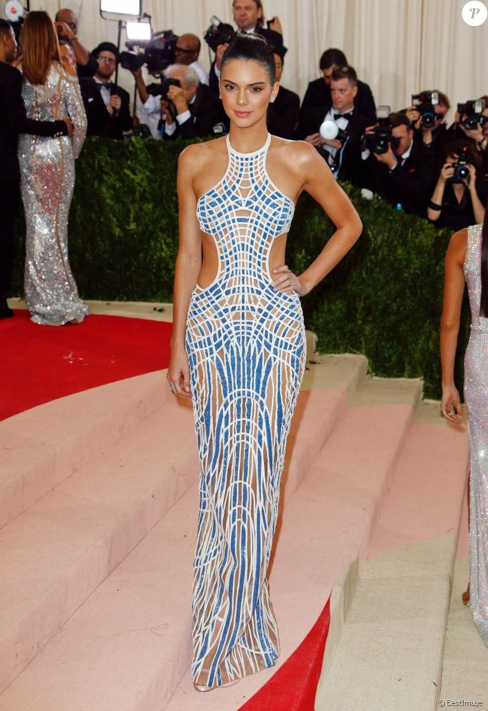 PHOTOS - Kendall Jenner - Soirée Costume Institute Benefit ...