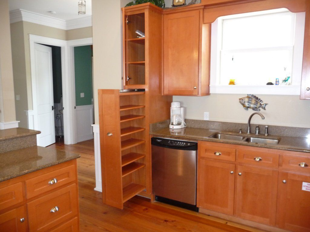 Best Large Pantries For Kitchens Kitchen Pantry Cabinet 640 x 480