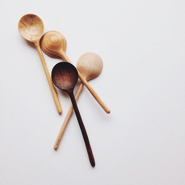 There are still a few places left to join @roannawells talk in the TOAST Oxford store on Thursday: explorations of drawing painting stitch carving through process and mark making. Visit the TOAST website to register your interest. Don't forget our TOAST 'Markings of the Land' Instagram and Twitter competition  this week's prize is one of @roannawells spoons. Full details on the TOAST blog - travels.toa.st #OfTheLand #roannawellsspoons #woodcarving by toasttravels
