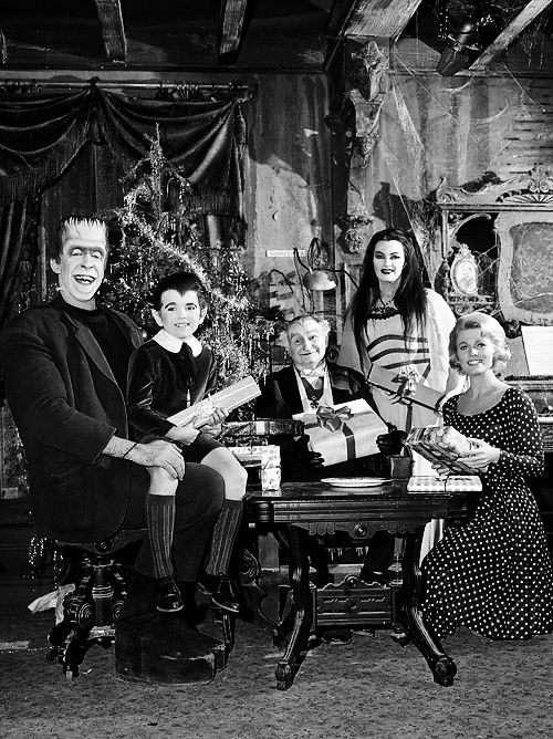 The Munsters Christmas, 1960's The munsters, Munsters tv
