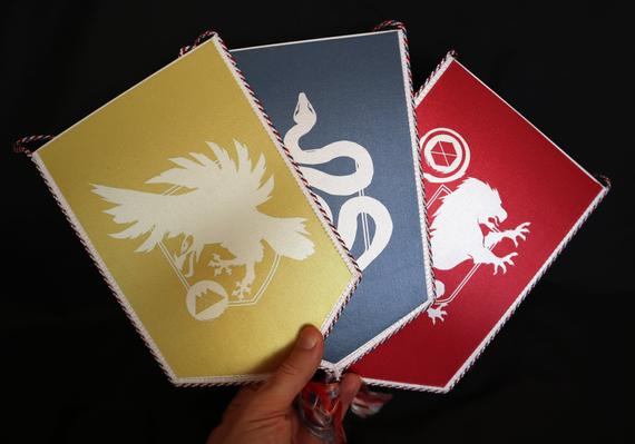 Destiny 2 Forsaken  Class Banner Hunter ( guardian game gamer gift