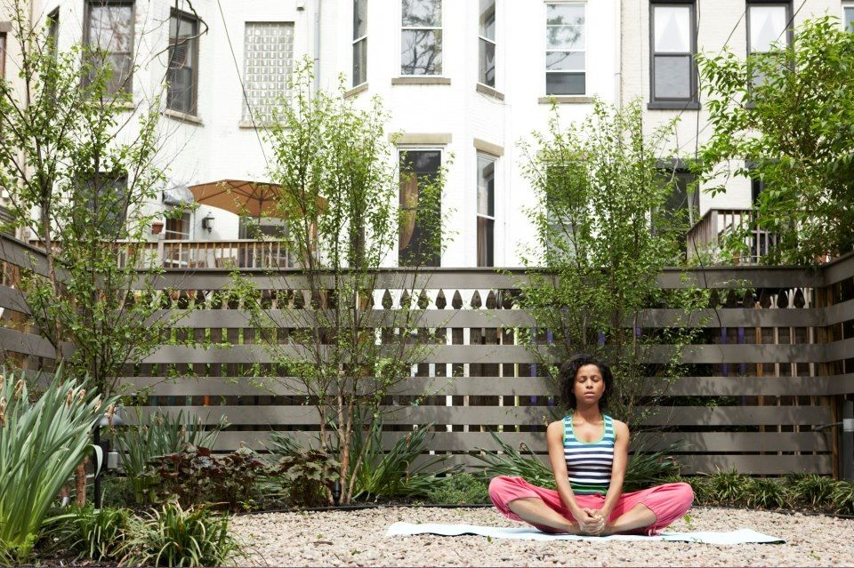 Meditation backyard inspiration love the fence