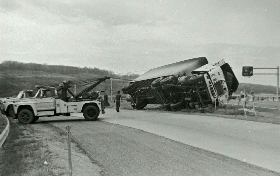 2 650 Holmes working hard, circa 1971. Tow Trucks
