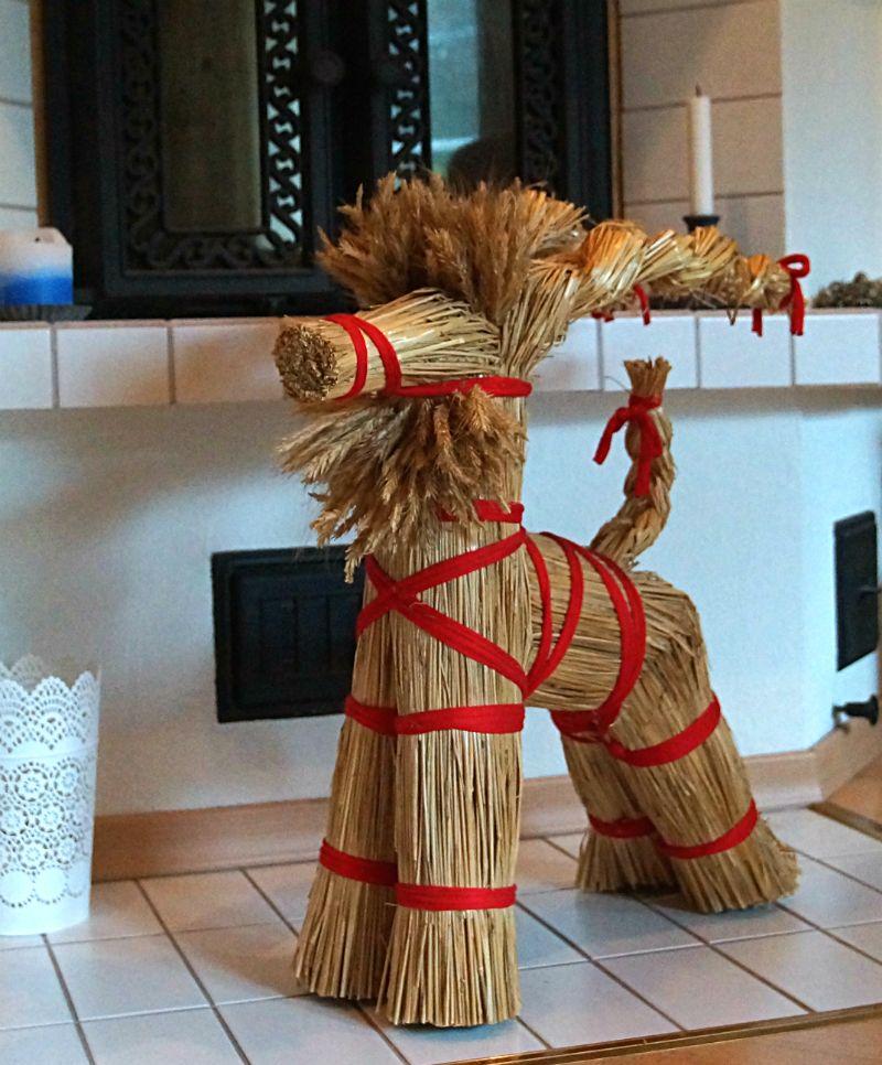 Finland Christmas Goat.Christmas Decoration Hay Goat Finland Christmas In