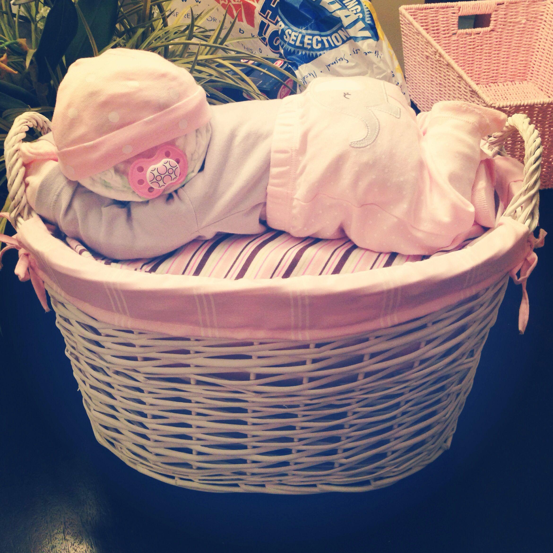 How To Make Baby Shower Diaper Cake: Sleeping Baby Diaper Cake