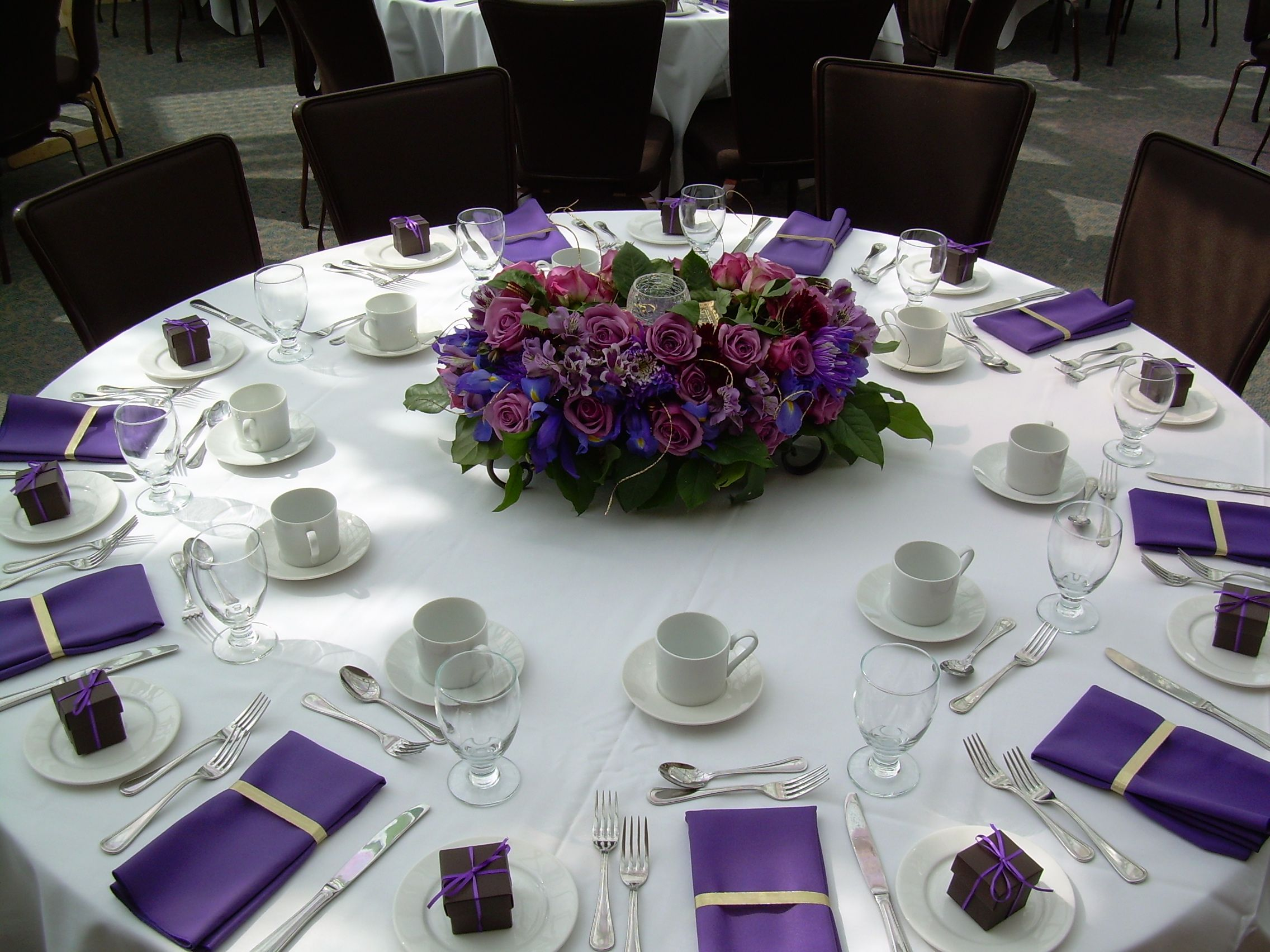 Purple Wedding Tables This Would Be Easy To Do With Paper