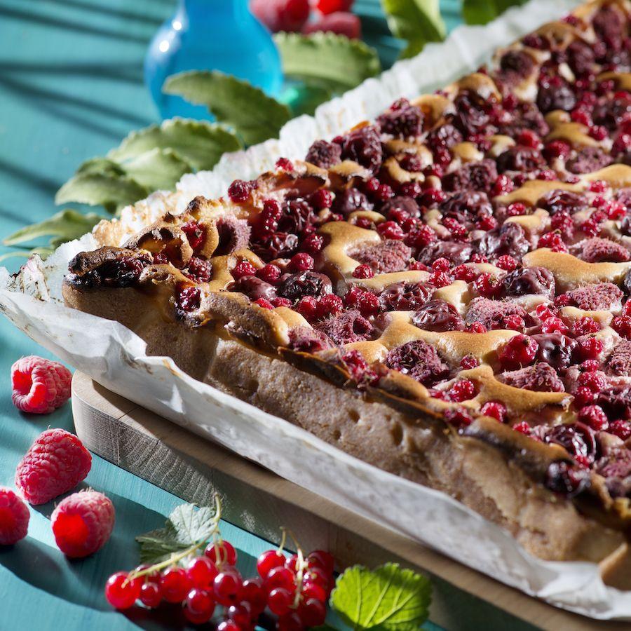 Frischkasekuchen Mit Beeren Rezept Frischkasekuchen Kuchen Und Lebensmittel Essen
