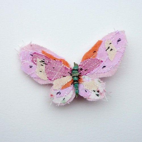 butterfly quilt brooch Måske kunne man lave collage med papir på en lidt stor papirsommerfugl