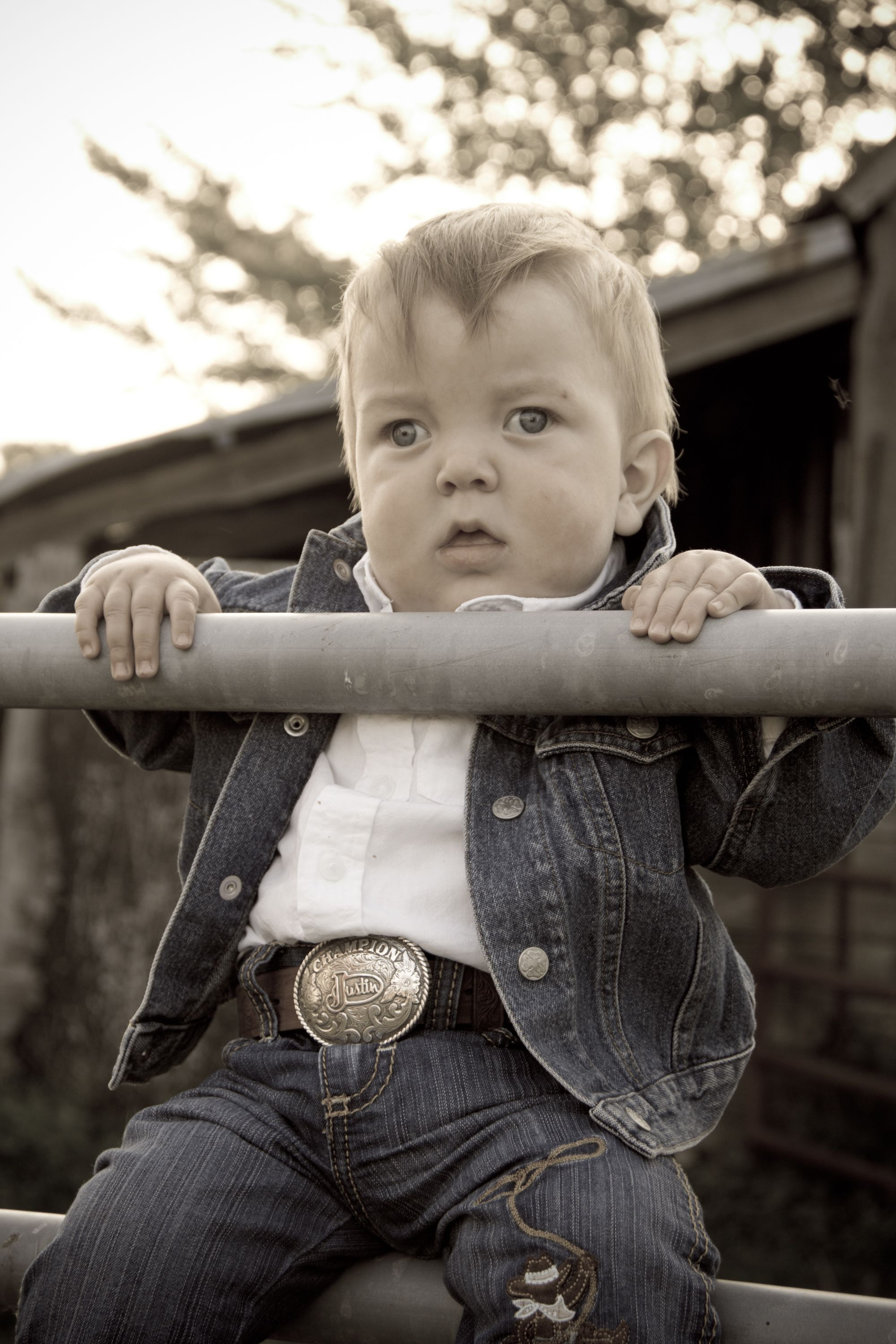 Growing up to be a cowboy !