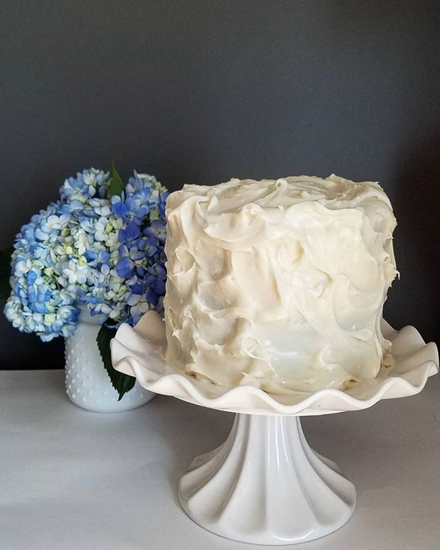 Small, tall carrot cake | Tall cakes, Cake, Cake decorating
