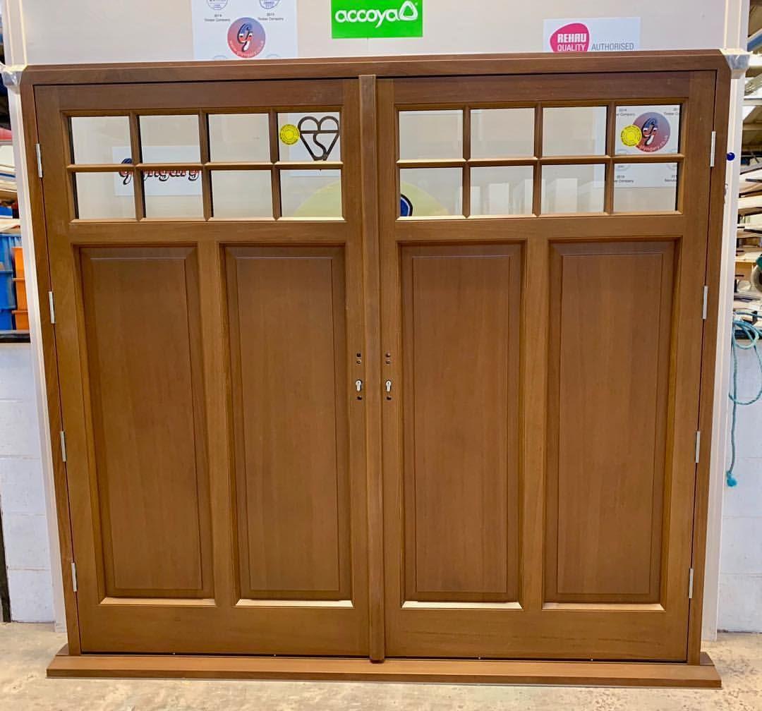 Sapele Mahogany Garage Doors Pre Finished With Sikkens Translucent Stain Light Oak Light Oak Timber Door Sapele
