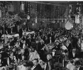 The Birth of a Tradition: The first Academy Awards banquet was held in the Hollywood Roosevelt Hotel's Blossom Room.