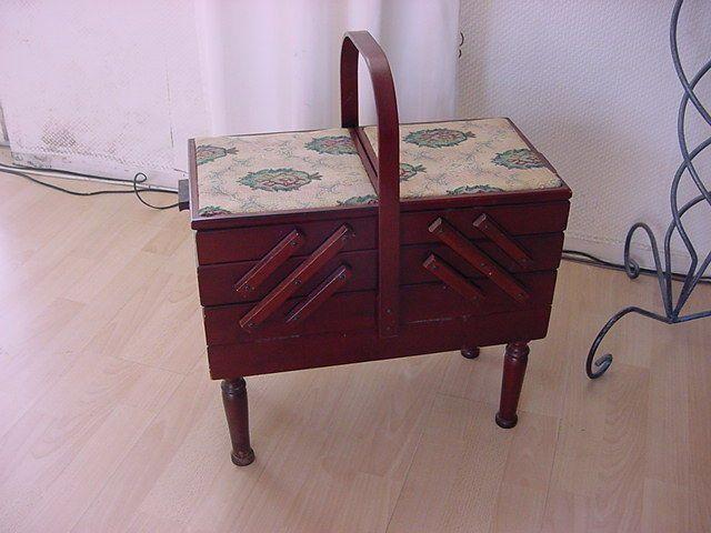 Schoner Alter Nahtisch Nahkasten Tisch Beistelltisch Gebraucht