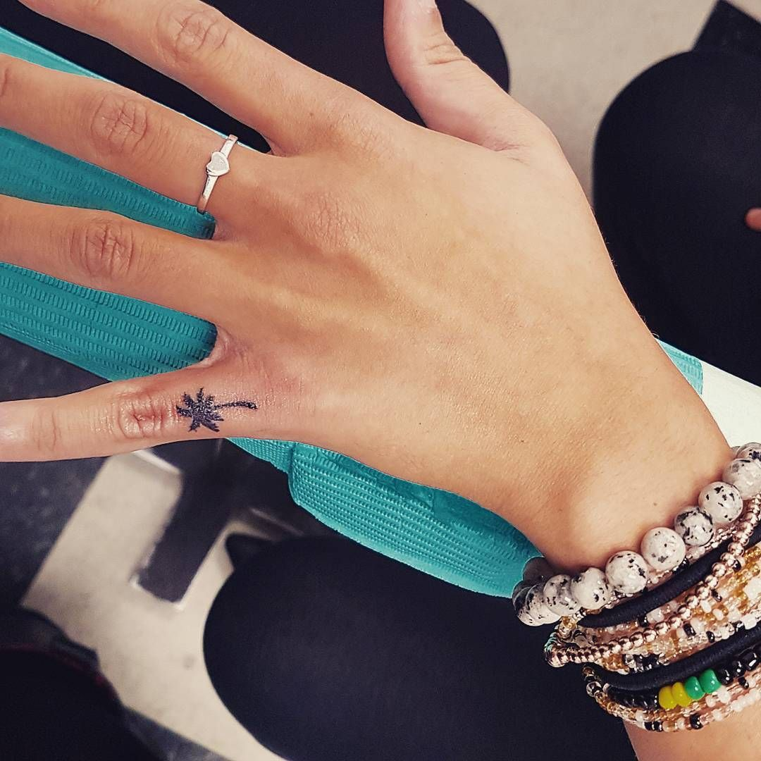 55 Most Beautiful Tiny Tattoo Ideas For Girls Tree Tattoo Finger Finger Tattoos Subtle Tattoos