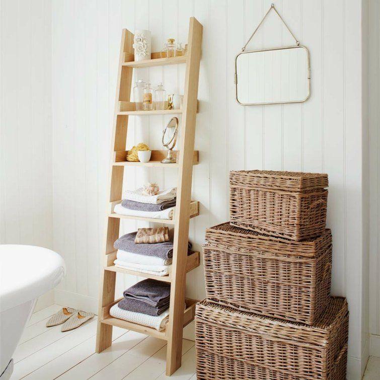salle de bain moderne décorée avec une échelle en bois Decoration - decoration salle de bain moderne