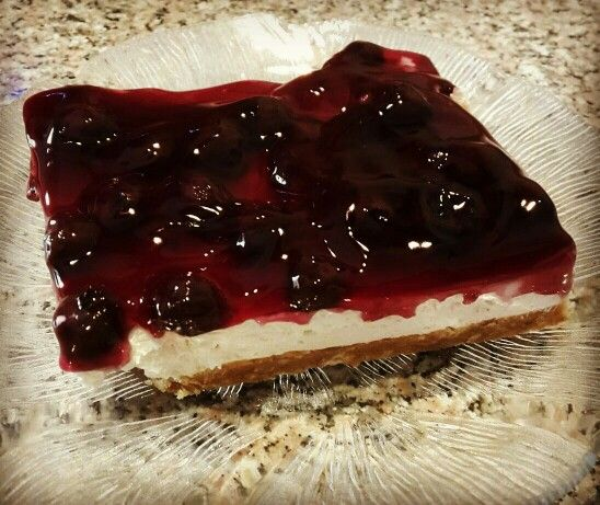 Cheese cake with blue berries.