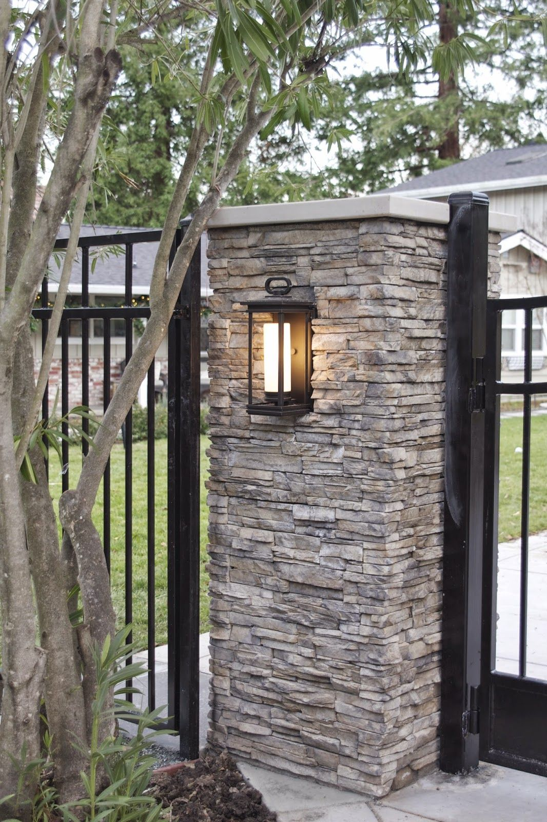 The Gate Pinch Me It S Done Stone Driveway Outdoor Stone