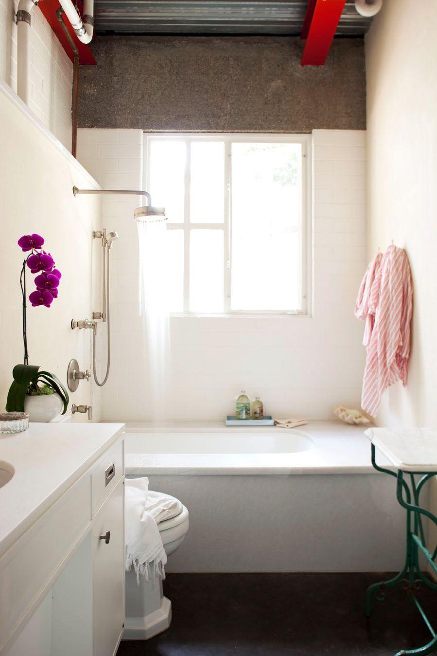 Amy Neunsinger photography guest bathroom House Beautiful