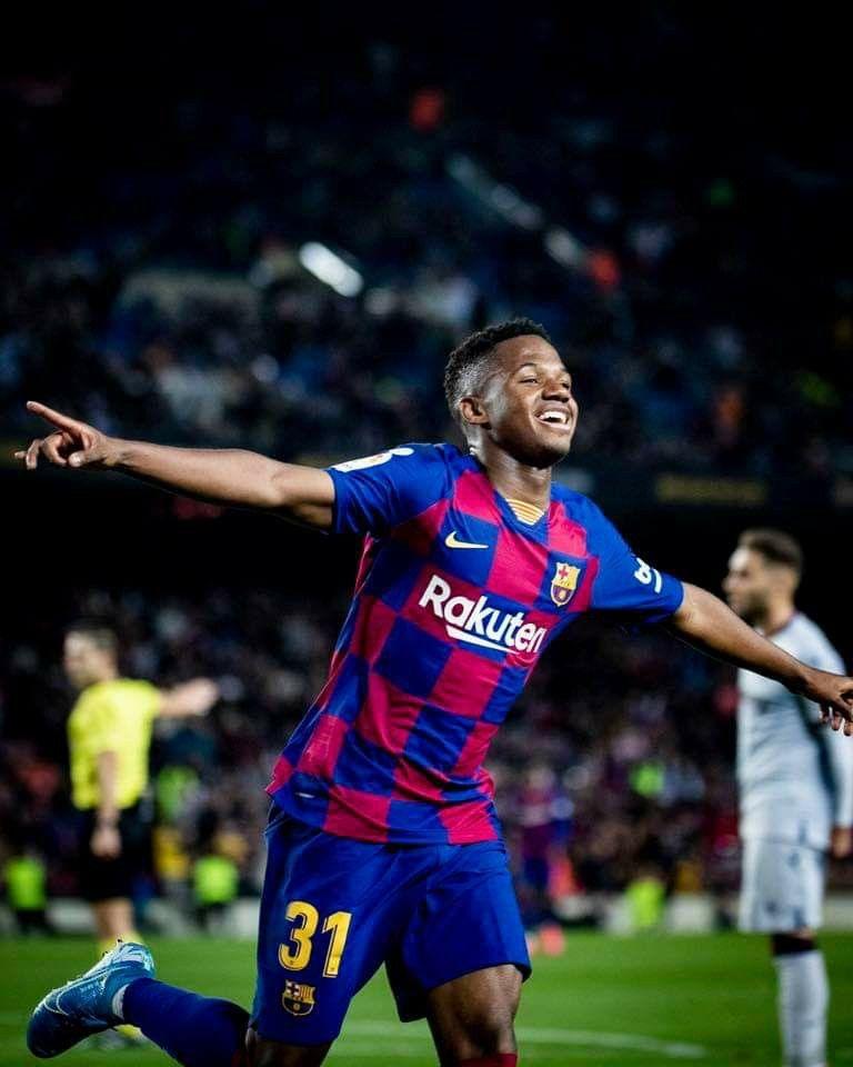 Ansu Fati En 2020 Football Barcelone Paris Sportifs Joueur De Football