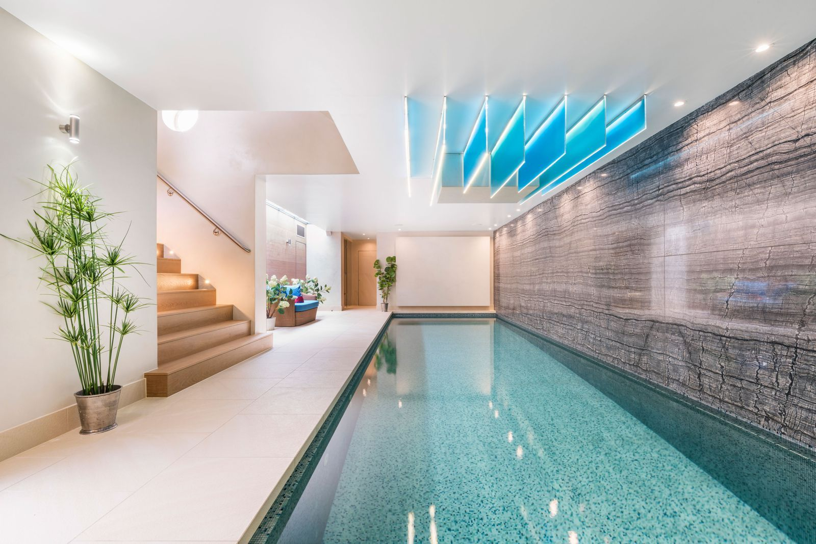 Inside This Luxurious 25m Mansion For Sale In West London Pool House Plans London Mansion Mansions For Sale