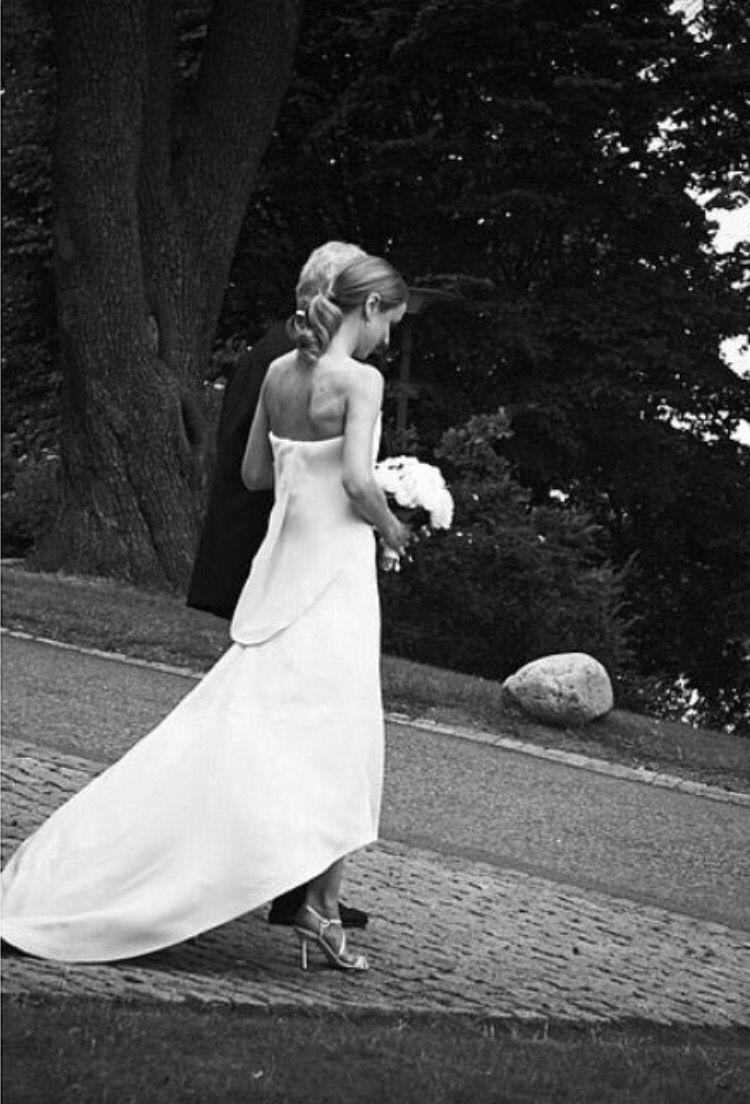 650b6596401e Elin Kling #wedding | Wedding dresses in 2019 | Bröllop