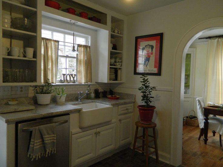 cottage tiny kitchens pinterest | small cape cod cottage kitchen ...