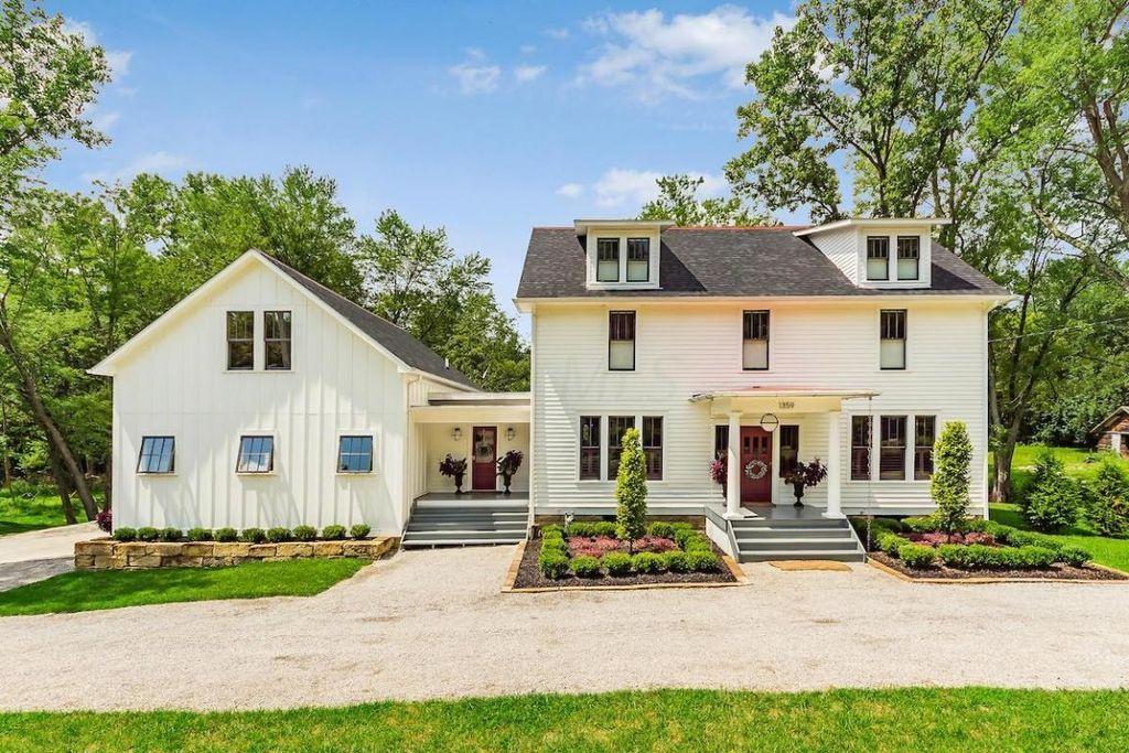 1359 welsh hills rd granville oh 43023 zillow curb appeal rh pinterest com